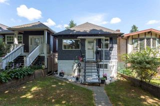 """Photo 1: 951 E 17TH Avenue in Vancouver: Fraser VE House for sale in """"CEDAR COTTAGE"""" (Vancouver East)  : MLS®# R2205343"""