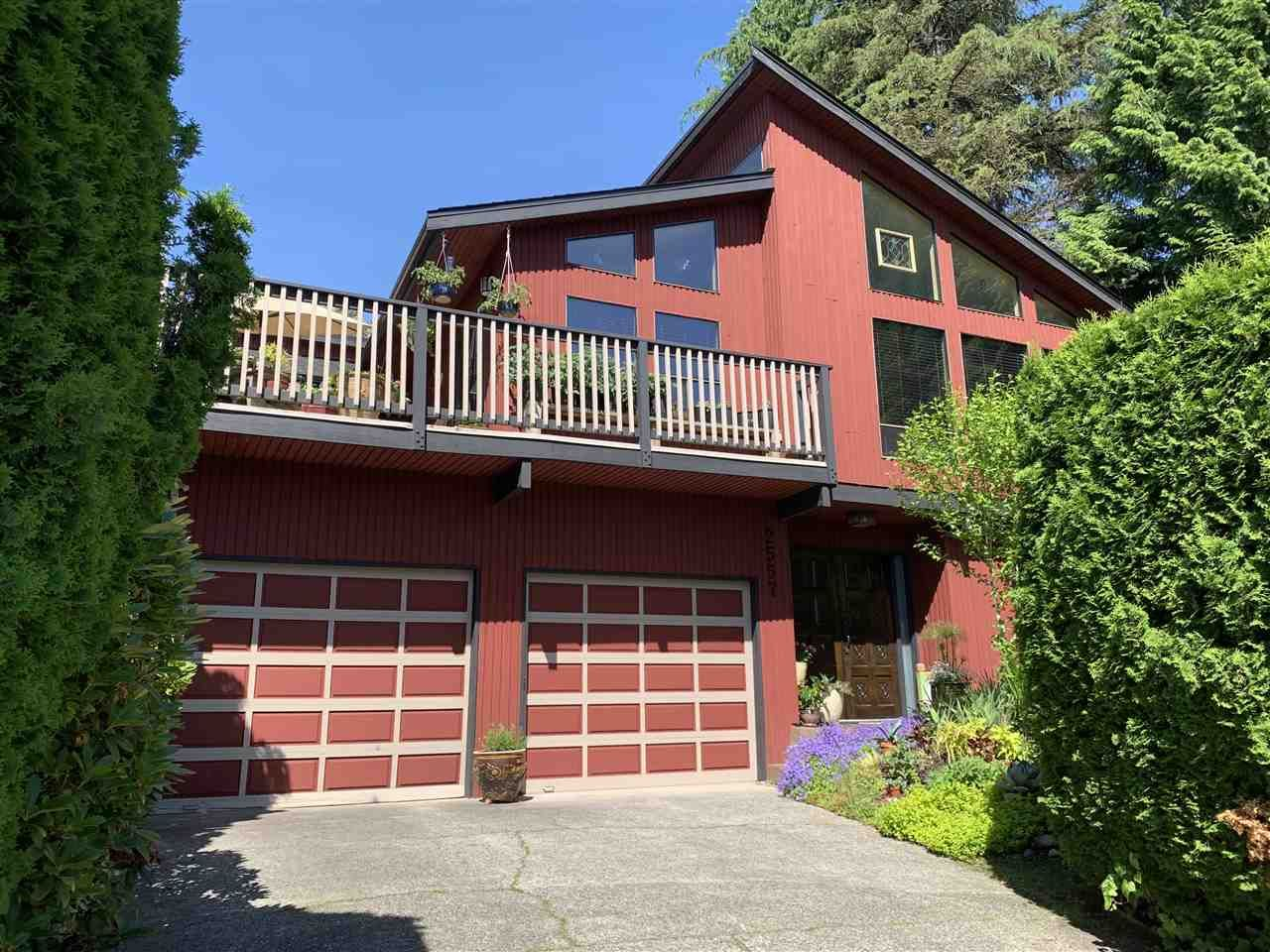 Main Photo: 2557 PEREGRINE PLACE in Coquitlam: Upper Eagle Ridge House for sale : MLS®# R2467956