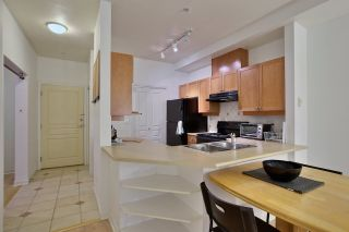 """Photo 4: 110 5605 HAMPTON Place in Vancouver: University VW Condo for sale in """"PEMBERLY"""" (Vancouver West)  : MLS®# R2018785"""