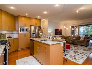 """Photo 7: 204 16433 64 Avenue in Surrey: Cloverdale BC Condo for sale in """"St. Andrews"""" (Cloverdale)  : MLS®# R2123466"""