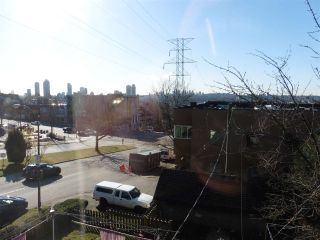 Photo 14: 333 BOUNDARY Road in Vancouver: Hastings Sunrise House for sale (Vancouver East)  : MLS®# R2555972