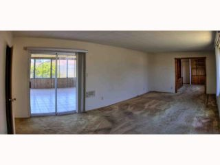 Photo 8: OCEANSIDE House for sale : 5 bedrooms : 2105 Maxson