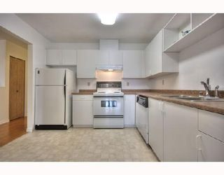 "Photo 3: 29 3111 BECKMAN Place in Richmond: West Cambie Townhouse for sale in ""BRIDGE POINTE"" : MLS®# V732496"