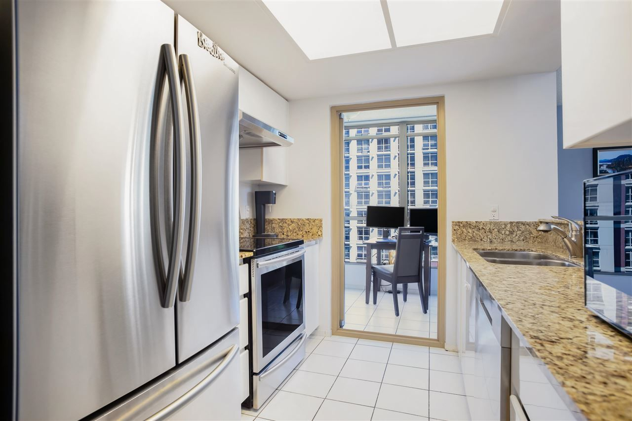 """Photo 12: Photos: 901 867 HAMILTON Street in Vancouver: Downtown VW Condo for sale in """"Jardine's Lookout"""" (Vancouver West)  : MLS®# R2588000"""