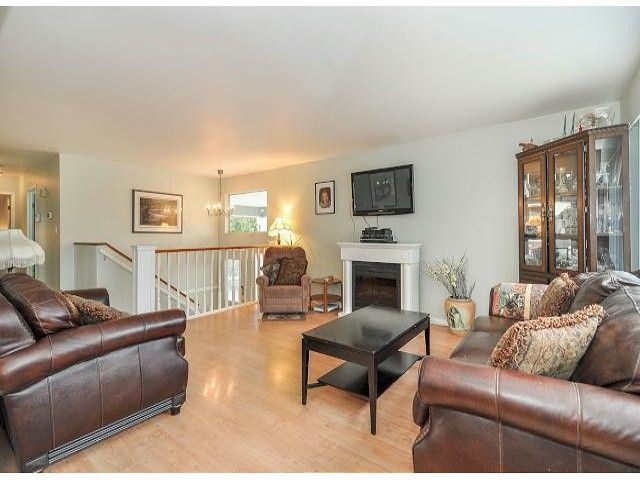 Main Photo: 21695 EXETER Avenue in Maple Ridge: West Central House for sale : MLS®# V1046694