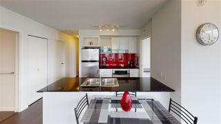"""Photo 3: 2203 111 W GEORGIA Street in Vancouver: Downtown VW Condo for sale in """"SPECTRUM ONE"""" (Vancouver West)  : MLS®# R2591471"""