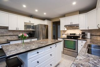 """Photo 6: 49 8555 209 Street in Langley: Walnut Grove Townhouse for sale in """"Autumnwood"""" : MLS®# R2154627"""