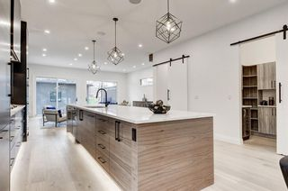 Photo 4: 2044 43 Avenue SW in Calgary: Altadore Detached for sale : MLS®# A1090100