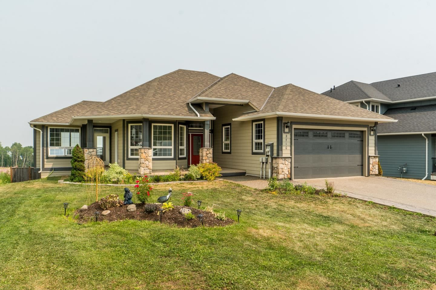 """Main Photo: 2710 CHANCELLOR Boulevard in Prince George: Charella/Starlane House for sale in """"University Heights"""" (PG City South (Zone 74))  : MLS®# R2600284"""