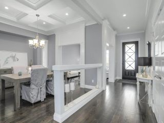 """Photo 3: 17387 3 Avenue in Surrey: Pacific Douglas House for sale in """"SUMMERFIELD"""" (South Surrey White Rock)  : MLS®# R2257323"""