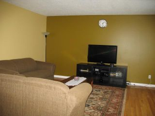 Photo 4: 3121 DOVER Crescent SE in CALGARY: Dover Residential Attached for sale (Calgary)  : MLS®# C3536912