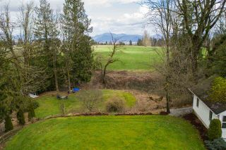 Photo 3: 5012 MT LEHMAN Road in Abbotsford: Bradner House for sale : MLS®# R2501337