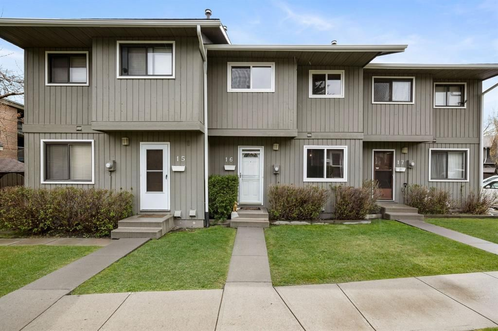 Main Photo: 16 6503 Ranchview Drive NW in Calgary: Ranchlands Row/Townhouse for sale : MLS®# A1112053