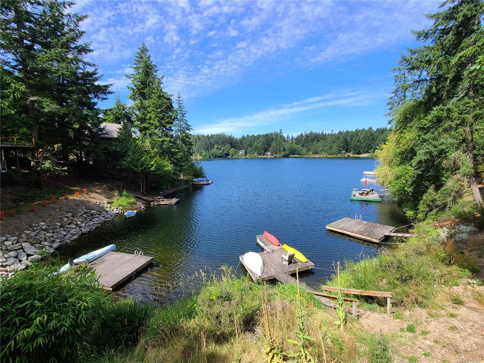 Main Photo: 37141 Galleon Way in : GI Pender Island House for sale (Gulf Islands)  : MLS®# 851569