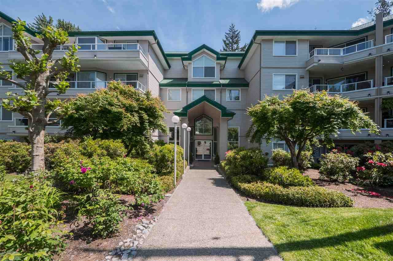 """Photo 1: Photos: 114 2750 FAIRLANE Street in Abbotsford: Central Abbotsford Condo for sale in """"The Fairlane"""" : MLS®# R2543289"""