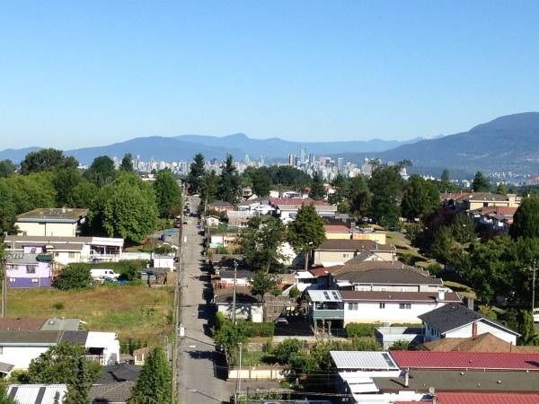 """Main Photo: 1108 3455 ASCOT Place in Vancouver: Collingwood VE Condo for sale in """"QUEEN'S COURT"""" (Vancouver East)  : MLS®# R2242804"""