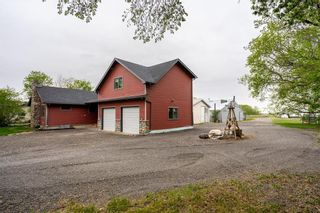 Photo 3: 1235 BREEZY POINT Road in St Andrews: R13 Residential for sale : MLS®# 202112423