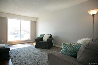 Photo 5: 235 Fairlane Avenue in Winnipeg: Crestview Residential for sale (5H)  : MLS®# 1807343