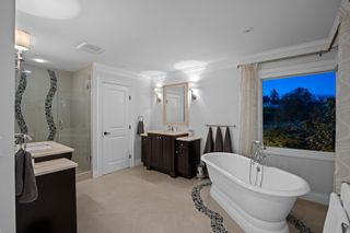 """Photo 24: 14342 SUNSET Drive: White Rock House for sale in """"White Rock Beach"""" (South Surrey White Rock)  : MLS®# R2590689"""