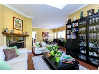 Photo 3: 638 FORBES AV in North Vancouver: Lower Lonsdale Condo for sale : MLS®# V1118672