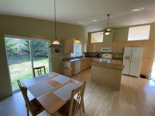 Photo 11: 6330 SECHELT INLET Road in Sechelt: Sechelt District House for sale (Sunshine Coast)  : MLS®# R2549499