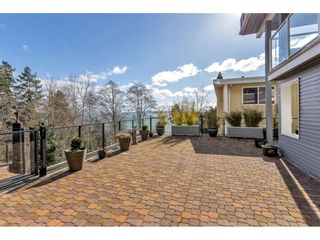"""Photo 10: 1324 HIGH Street: White Rock House for sale in """"West Beach"""" (South Surrey White Rock)  : MLS®# R2540194"""