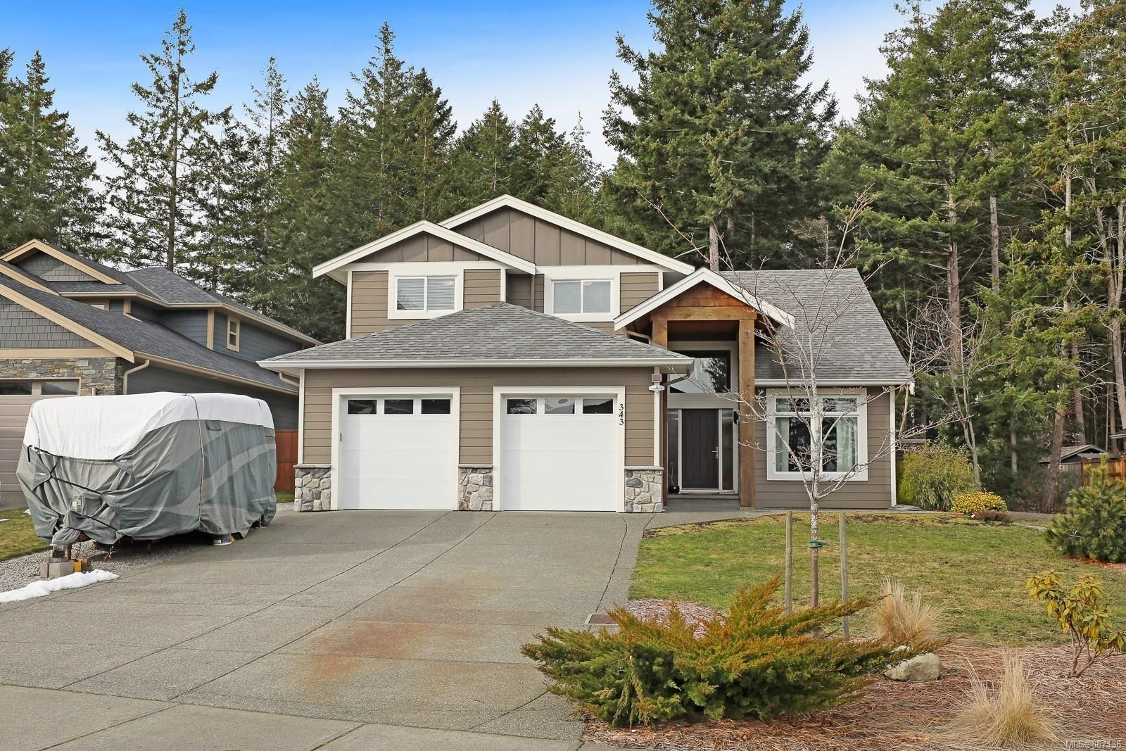 Main Photo: 343 Ensign St in : CV Comox (Town of) House for sale (Comox Valley)  : MLS®# 867136
