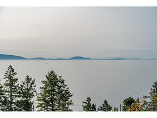 """Photo 2: 14502 MALABAR Crescent: White Rock House for sale in """"WHITE ROCK HILLSIDE WEST"""" (South Surrey White Rock)  : MLS®# R2526276"""
