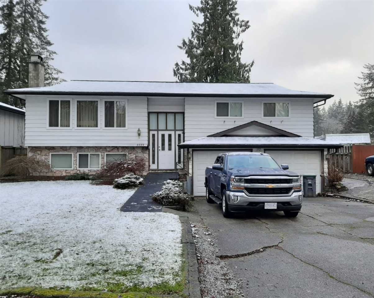 "Main Photo: 9333 149 Street in Surrey: Fleetwood Tynehead House for sale in ""GREEN TIMBERS"" : MLS®# R2433657"
