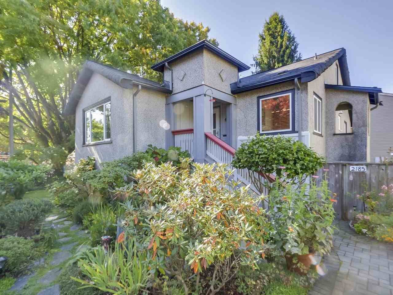 """Main Photo: 2185 COLLINGWOOD Street in Vancouver: Kitsilano House for sale in """"Kitsilano"""" (Vancouver West)  : MLS®# R2311078"""