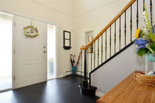 Photo 2: 15736 MOUNTAIN VIEW DRIVE in Surrey: Grandview Surrey House for sale (South Surrey White Rock)  : MLS®# R2095102