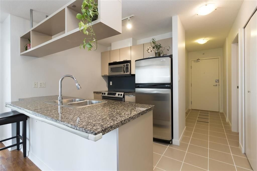 Main Photo: 808 1082 SEYMOUR Street in Vancouver: Downtown VW Condo for sale (Vancouver West)  : MLS®# R2614016