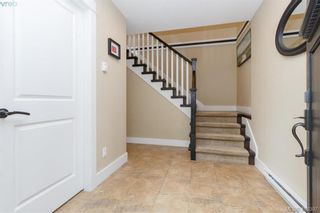 Photo 2: 2083 Longspur Dr in VICTORIA: La Bear Mountain House for sale (Langford)  : MLS®# 819774