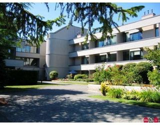 Photo 1: 114 15313 19TH Ave in South Surrey White Rock: Home for sale : MLS®# F1117750