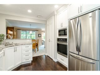 """Photo 6: 2 1640 148 Street in Surrey: Sunnyside Park Surrey Townhouse for sale in """"ENGLESEA COURT"""" (South Surrey White Rock)  : MLS®# R2486091"""