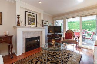 Photo 2: 105 535 Heatherdale Lane in Saanich: SW Royal Oak Condo for sale (Saanich West)  : MLS®# 844728