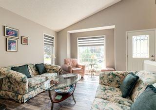 Photo 3: 54 Douglasview Circle SE in Calgary: Douglasdale/Glen Detached for sale : MLS®# A1139753
