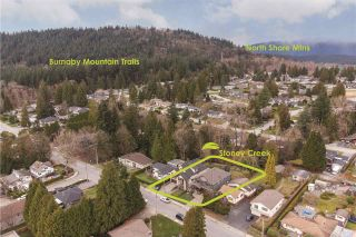 """Photo 2: 585 CHAPMAN Avenue in Coquitlam: Coquitlam West House for sale in """"Coquitlam West"""" : MLS®# R2547535"""