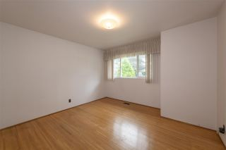 Photo 10: 2755 E 1ST Avenue in Vancouver: Renfrew VE House for sale (Vancouver East)  : MLS®# R2587016