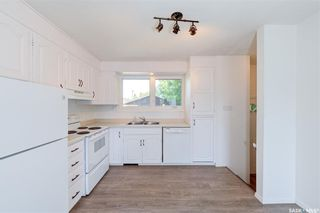Photo 3: 818 Confederation Drive in Saskatoon: Massey Place Residential for sale : MLS®# SK861239
