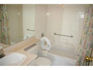 """Photo 7: 908 838 AGNES Street in New Westminster: Downtown NW Condo for sale in """"WESTMINSTER TOWER"""" : MLS®# V830069"""
