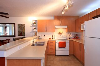 Photo 16: 1135 ROSS Road in North Vancouver: Lynn Valley Condo for sale : MLS®# V995721