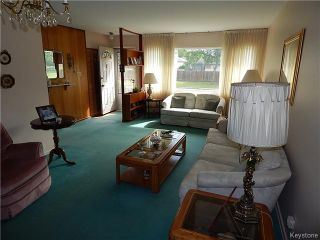 Photo 3: 1205 Hoka Street in Winnipeg: West Transcona Residential for sale (3L)  : MLS®# 1621063