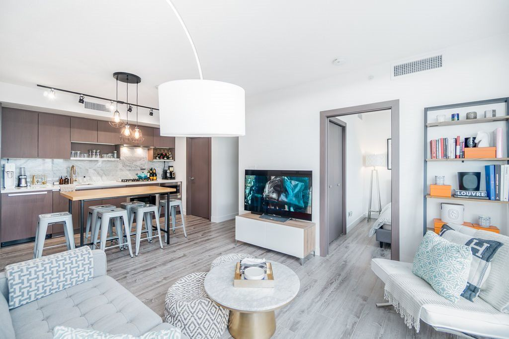 """Main Photo: 1757 38 SMITHE Street in Vancouver: Downtown VW Condo for sale in """"ONE PACIFIC"""" (Vancouver West)  : MLS®# R2388568"""