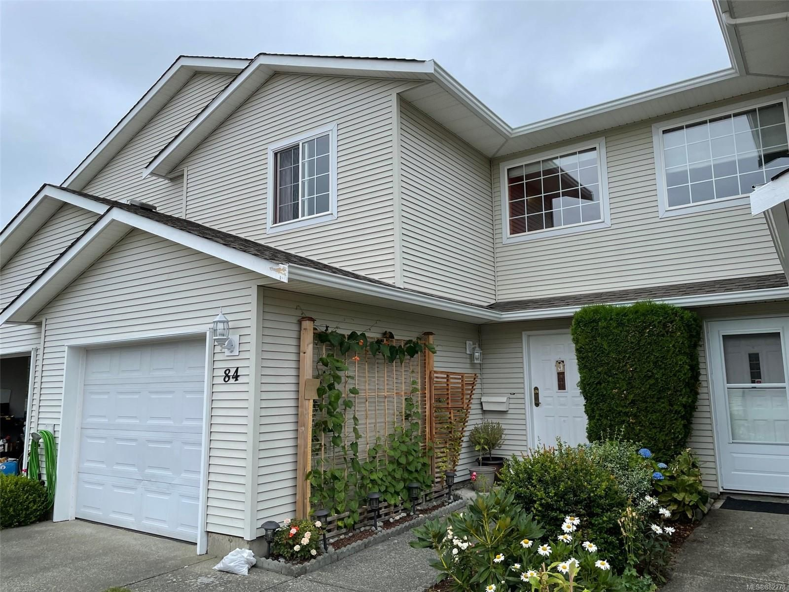 Main Photo: 84 717 Aspen Rd in : CV Comox (Town of) Row/Townhouse for sale (Comox Valley)  : MLS®# 882278