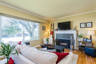 Photo 2: 1711 157 Street in Surrey: King George Corridor House for sale (South Surrey White Rock)  : MLS®# R2364482