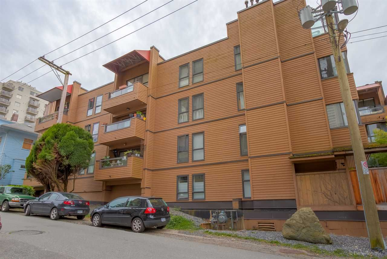 """Photo 3: Photos: 105 1435 NELSON Street in Vancouver: West End VW Condo for sale in """"WESTPORT"""" (Vancouver West)  : MLS®# R2193333"""