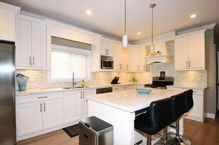 Photo 4: 18170 70 Avenue in Surrey: Cloverdale BC 1/2 Duplex for sale (Cloverdale)  : MLS®# R2103288