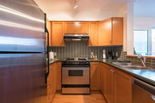 """Photo 12: PH 401 2181 W 12TH Avenue in Vancouver: Kitsilano Condo for sale in """"THE CARLINGS"""" (Vancouver West)  : MLS®# R2516161"""