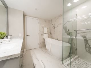 Photo 13: 706 198 AQUARIUS MEWS in Vancouver: Yaletown Condo for sale (Vancouver West)  : MLS®# R2424836